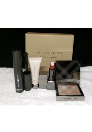 burberry beauty box for Sale in Queens, NY