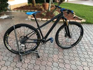 Mountain bike Cannondale B3 Raceface for Sale in Miami, FL