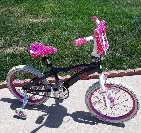 "18"" Hello Kitty Girls bike with training wheels still like new"