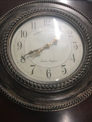 Wall clock works fine need gone excepting offers for Sale in Corona, CA