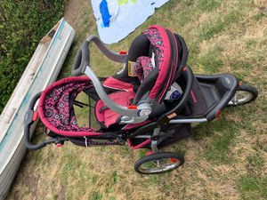 Baby Trend car seat & stroller combo! for Sale in Centralia, WA