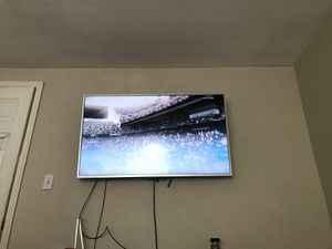 60 inch for sale for Sale in Severn, MD