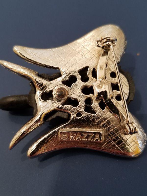 VINTAGE BLACK ENAMEL & SILVER ELEPHANT PIN BY RAZZA