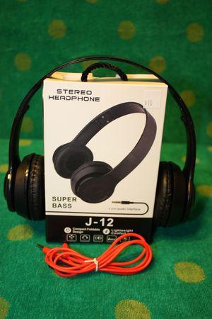 earpiece/ Headphones/earbuds/headset for Sale in Moreno Valley, CA