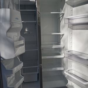Whirlpool Refrigerator for Sale in Stockton, CA