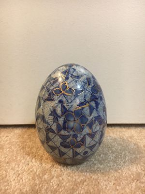 Blue, white, and gold porcelain egg for Sale in Las Vegas, NV