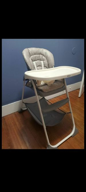 Baby dinning chair for Sale in Waterbury, CT