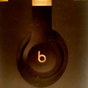 Beats Studio 3 Wireless for Sale in Los Angeles, CA