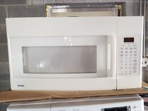 Good working conditions microwave for Sale in Lake Ridge, VA