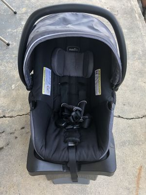 Car seat for Sale in Hummelstown, PA
