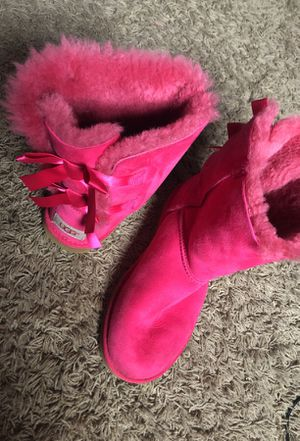 Girls ugg boots sz6 for Sale in Nashville, TN