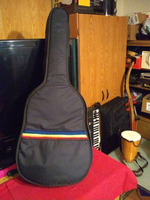Gig bag padded for 3/4 acoustic guitar, pickup near Western/Devon Chicago for Sale in Chicago, IL