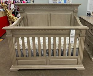 Baby Crib 4 in one convertibles for Sale in Santa Ana, CA