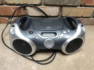 Memorex MP3142 MP3 CD portable boom box AM/FM radio for Sale in Mesa, AZ