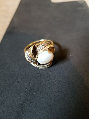 14k gold,opal and diamond ring for Sale in East Moline, IL
