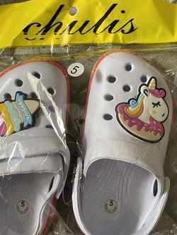 Baby Girl Unicorn Crocs Super Cute Size 5 for Sale in Bloomington,  CA