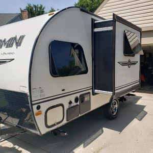 Mint 2014 palomini camper for Sale in Indianapolis, IN