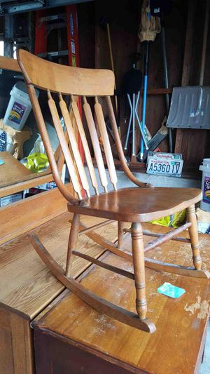 Antique Rocking Chair for Sale in Tacoma, WA