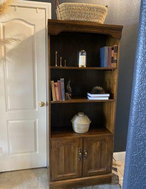 Wood Book case for Sale in Clovis, CA