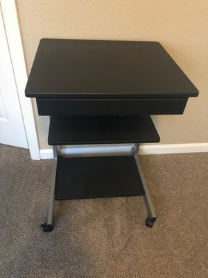 Small desk, one top opening drawer for Sale in Elk Grove, CA