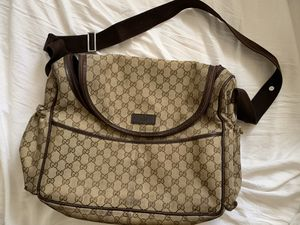 Gucci Messenger Bag for Sale in McClellan Park, CA