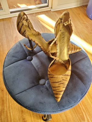 Guess. Brown tan animal print heel size 8 never used for Sale in West Covina, CA
