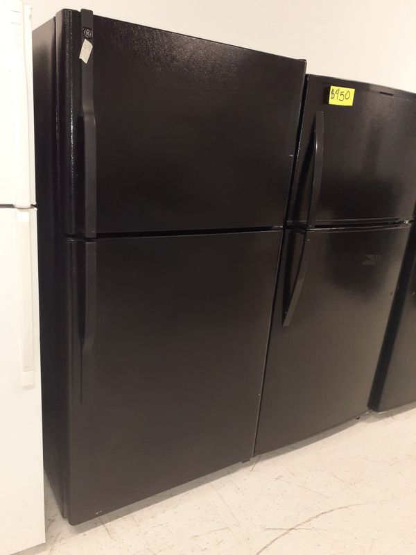 """GE 33""""wide refrigerator in excellent condition with 90 days warranty"""