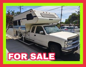 1993 CHEVY SILVERADO 2500 WITH 4BY 4 EXTRA CAB WITH LANCE CAMPER for Sale in Los Angeles, CA