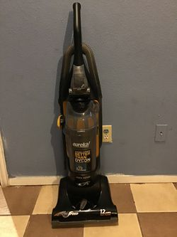 Eureka Airspeed vacuum for Sale in Grand Prairie,  TX
