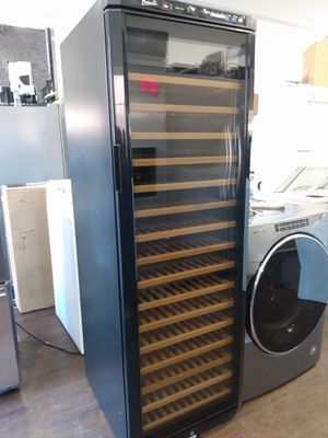 Avanty wine cooler with capacity for 166 bottles for Sale in San Clemente, CA