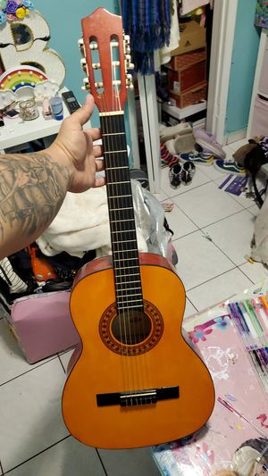 Youth acoustic guitar for Sale in Miami, FL