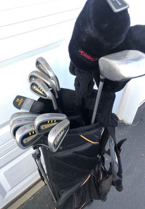 Ladies Killer Bee Full Set of Golf Clubs Including Woods and Putter for Sale in Johnsburg, IL