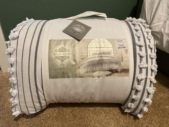 King comforter set/ blanket for Sale in Tualatin,  OR