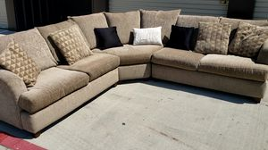 Can Deliver Allan 3 piece brown sectional sofa couch. Great condition for Sale in Fort Worth, TX