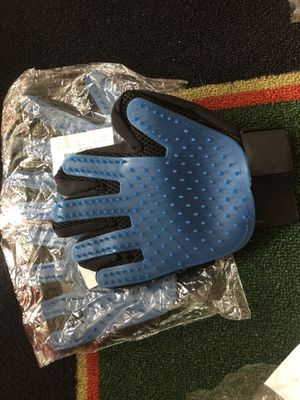 Pet shed glove for Sale in Prattville, AL