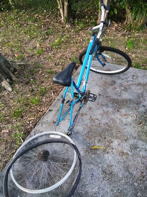 Bicicleta para partes o chatarra Bicycle for parts or scrap. for Sale in Pembroke Pines, FL