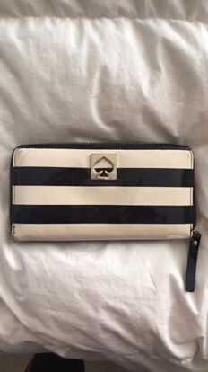 Kate Spade wallet for Sale in West Sacramento, CA