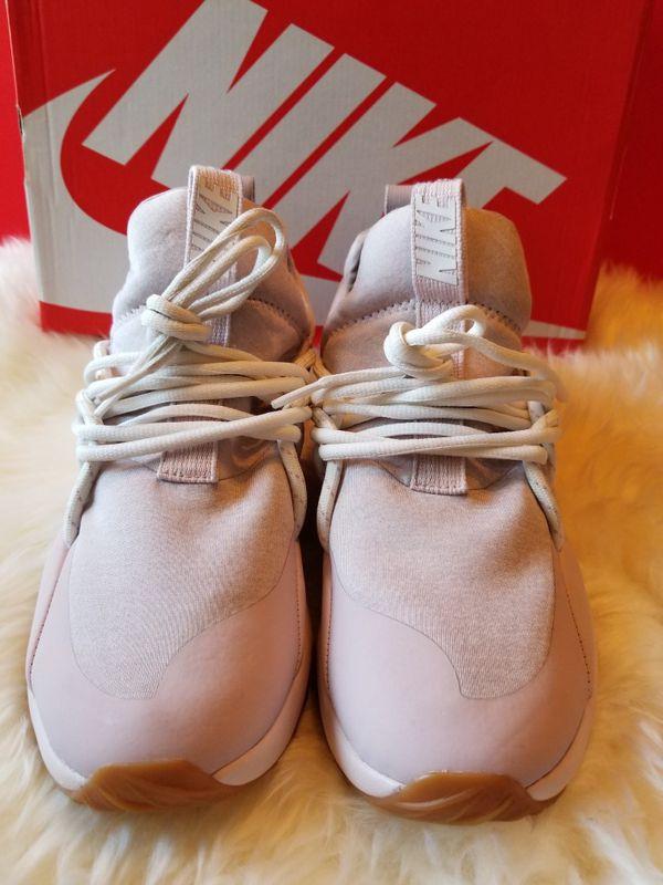 New Women's Nike
