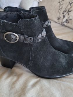 Clark's Black Suede Boots for Sale in Atco,  NJ