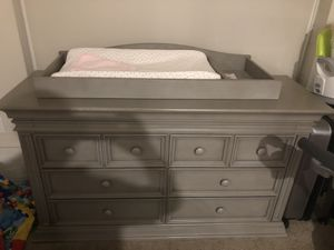 Special offer 2 pc of furniture Baby Crib bed and dresser ( 2 pc ) for Sale in Virginia Beach, VA
