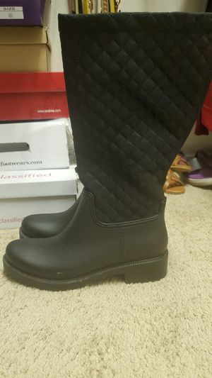 Rain boots size 7 for Sale in Glendale, AZ