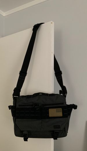 5.11 Rush messenger style computer bag EUC for Sale in Chicago, IL