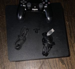 ps4 come with cords and controller for Sale in Oxon Hill, MD