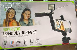 Digipower Super Star Essential Vlogging Kit, with LED Light, Microphone, Tripod and Mount for Sale in Garland, TX