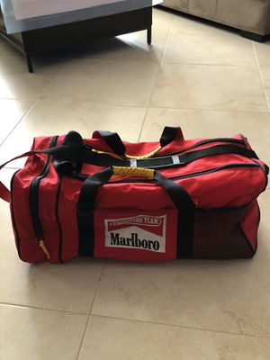 "Marlboro adventure team duffle bag luggage 23""x10""x10"" for Sale in Glendale, CA"