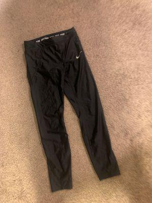 Nike Capri leggings size medium for Sale in San Leandro, CA