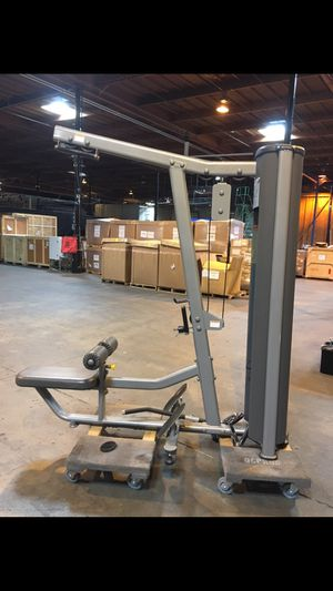 Paramount lat pulldown and row machine for Sale in San Diego, CA