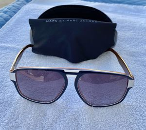 Marc by Marc Jacobs Sunglasses with Case for Sale in Long Beach, CA