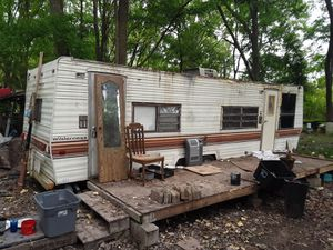 33 foot wilderness camper for sell $900 for Sale in Columbia, LA