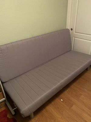 Futon couch/bed for Sale in Rancho Cucamonga, CA